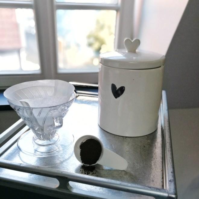 Die Keramikdose mit Gummiring eine gute Moeglichkeit um Kaffee aufzubewahren