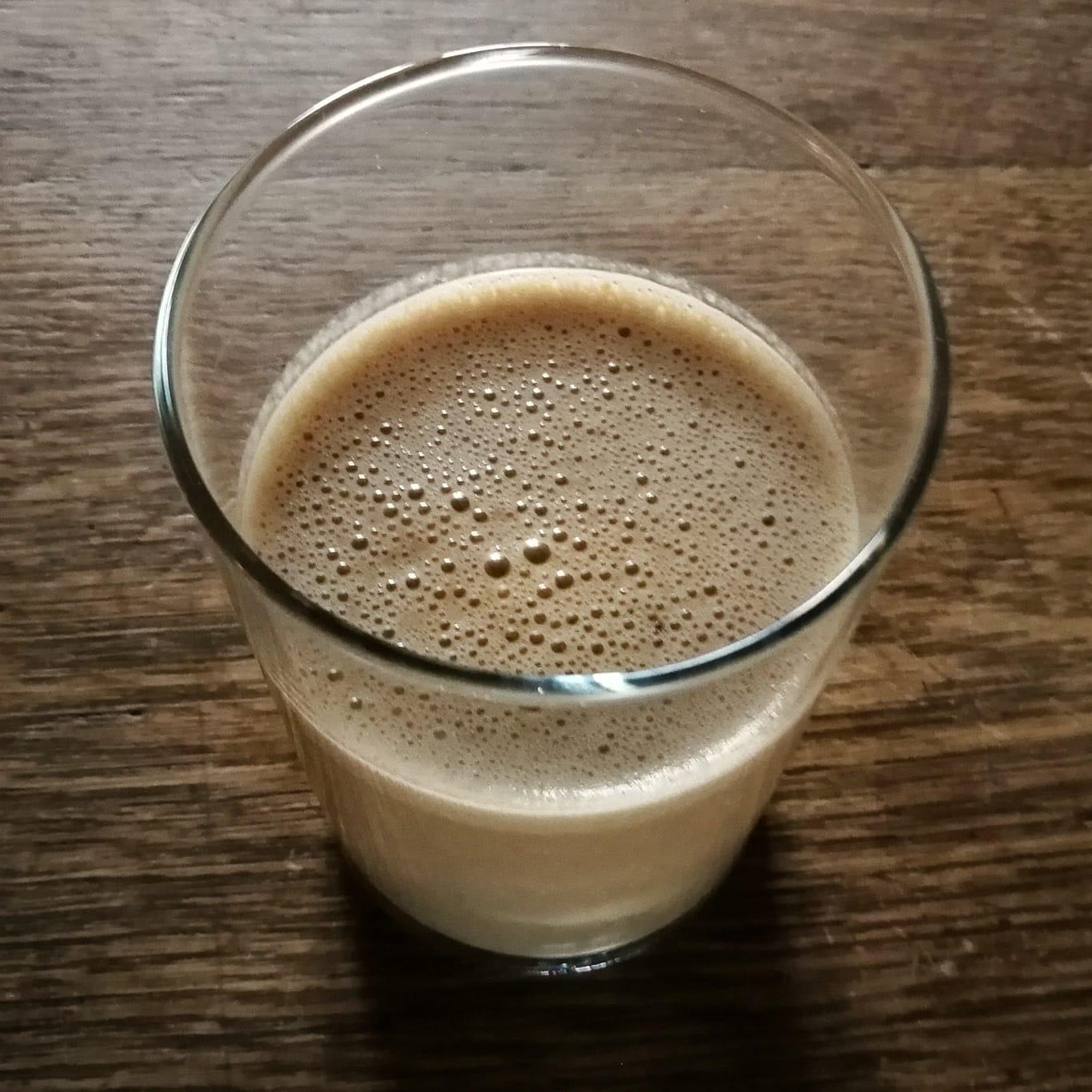 Mandelmilch im Kaffeeshake